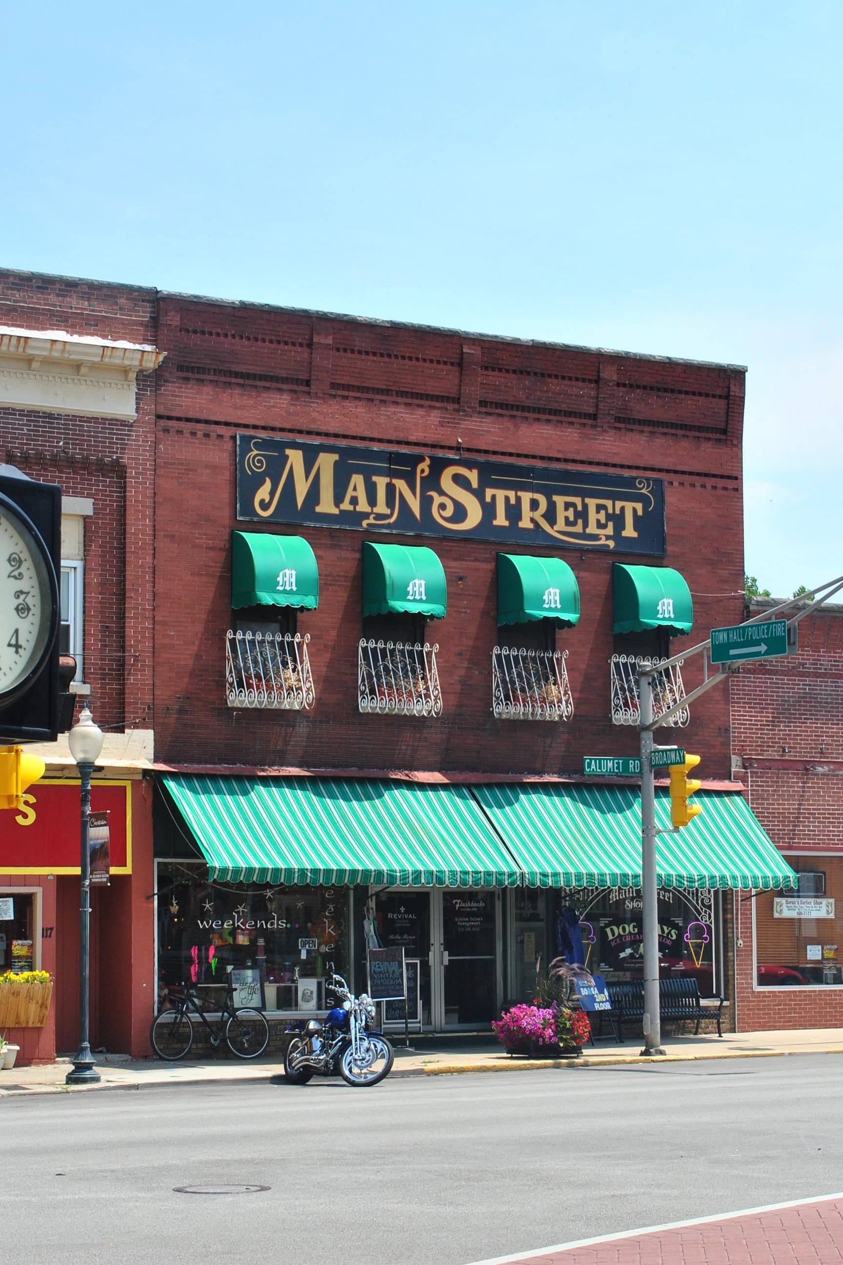 Main_Street_Bldg_Chesterton_IN_2012.jpg